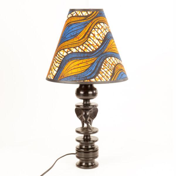 LAMPA ZE SŁONIEM Z DREWNA HEBANOWEGO